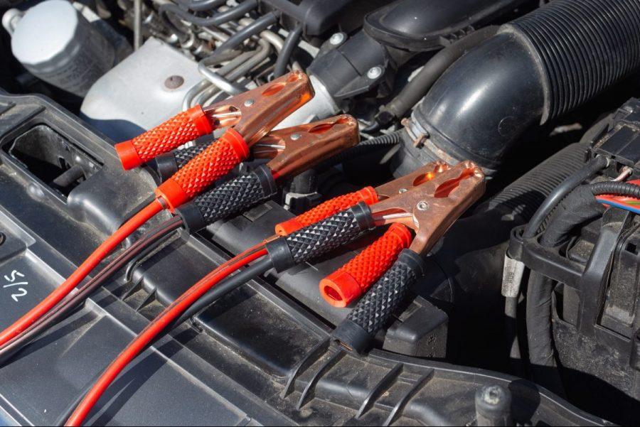 Los mejores cargadores de batería de coche para tener siempre a mano
