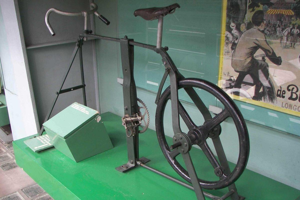 Saca más partido a tu bicicleta con alguno de estos 10 rodillos inteligentes